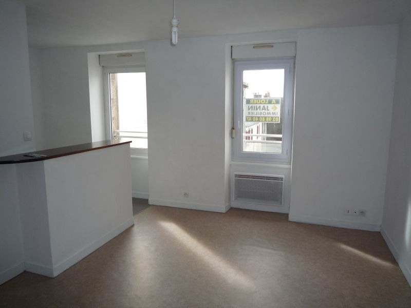 a louer appartement brest 24 m 265 janin. Black Bedroom Furniture Sets. Home Design Ideas